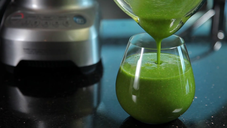 1212_howto-green-smoothie_f