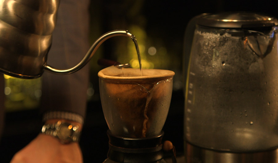 1403_rock_wood-neck-coffee_f