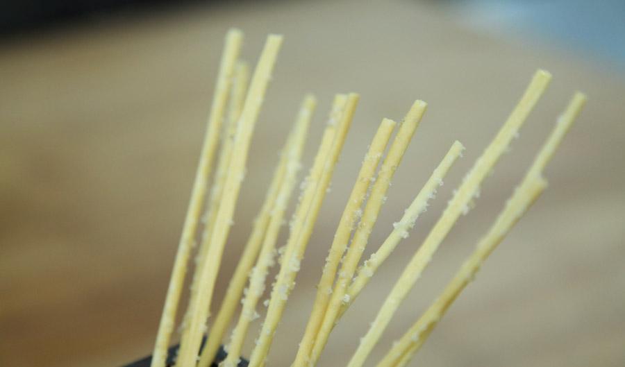 1403_shum_gluten-free-breadsticks_f